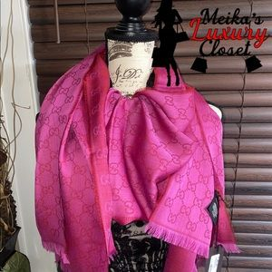 Rare XL Gucci pink fuchsia scarf brand new